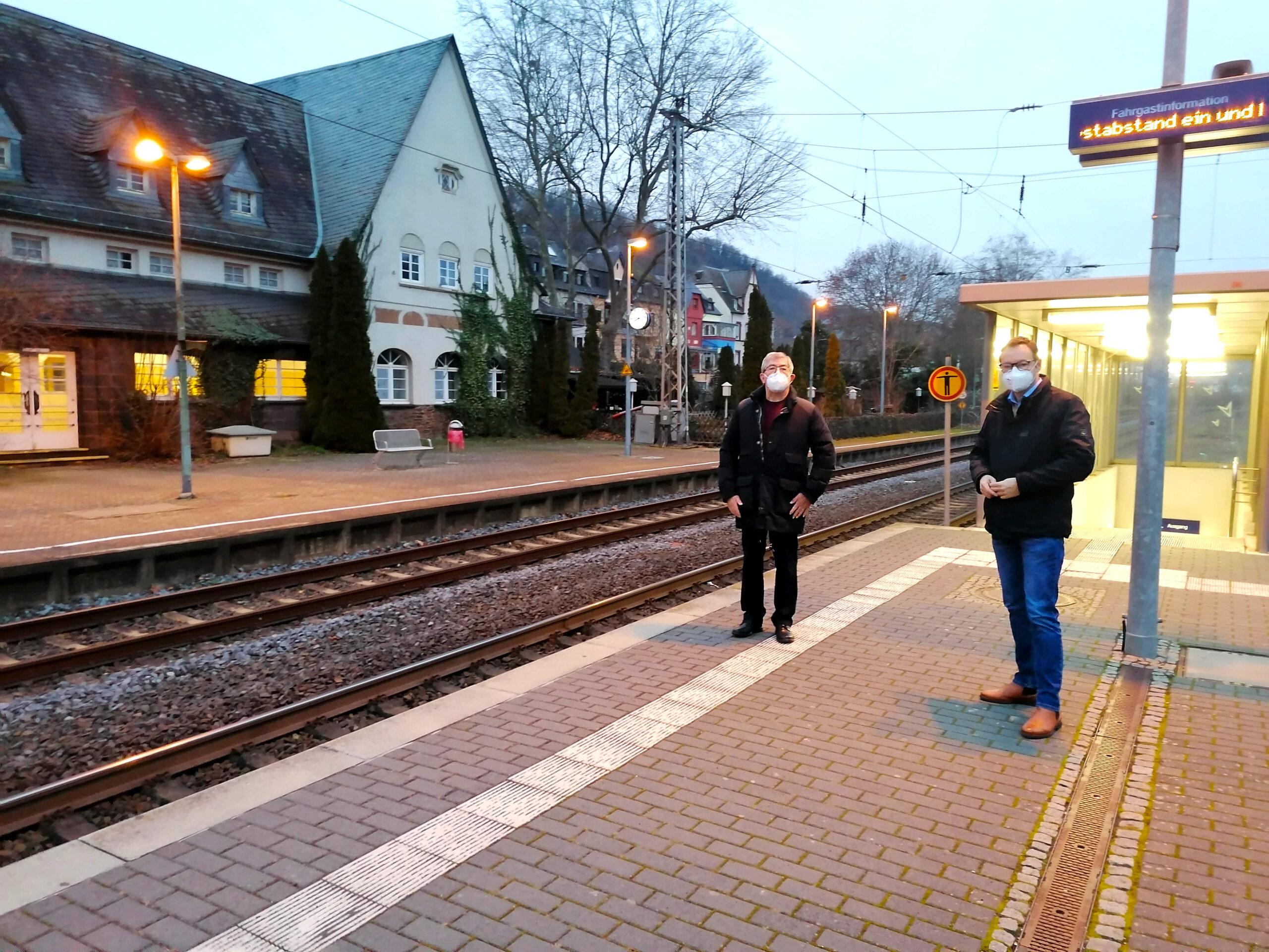 SPD-Landtagskandidat Dr. Wilhelm: Barrieren am Bahnhof Kobern-Gondorf überwinden! (PM)
